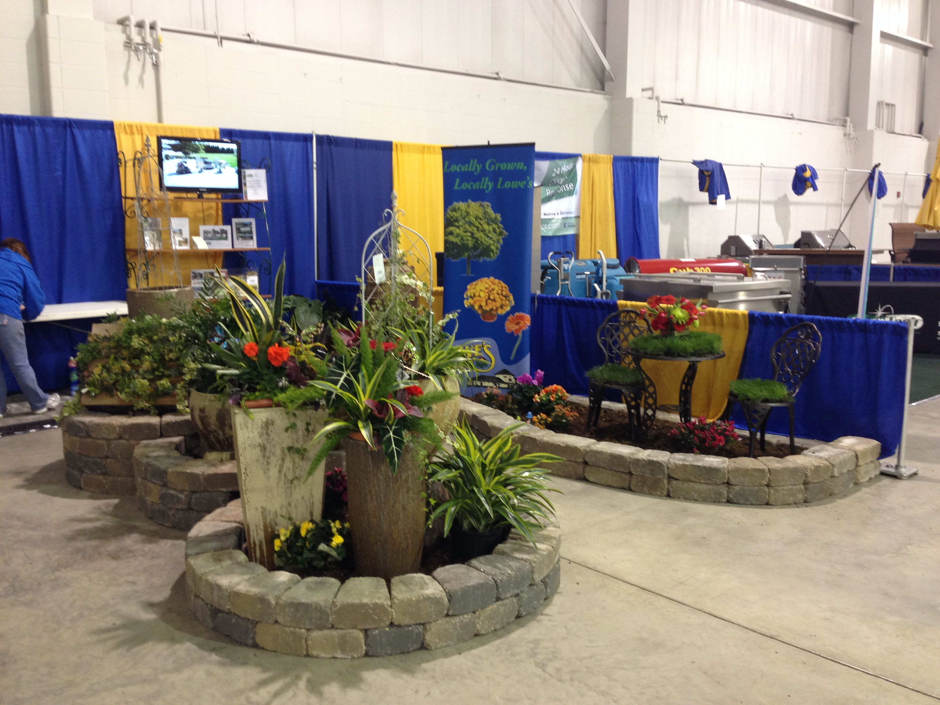 Homeshow 2014 Summer Flower Delivery Lowe 39 S Floral And Garden Center Minot Nd Send