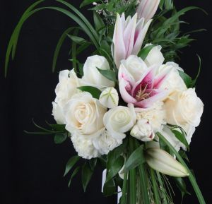 Close up Of the Crscent Shaped Bridal Bouquet